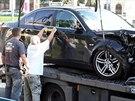 Odtahová služba odváží vůz, kterým řidič v úterý ráno na Náměstí Kinských smrtelně zranil jednadvacetiletou dívku.