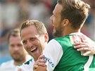 RADOST DOMÁCÍCH. Tomáš Jun a Filip Novák, se radují z gólu do sítě Slovácka.