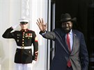 Prezident Ji�n�ho S�d�nu Salva Kiir Mayardit p�ich�z� na zased�n� africk�ch...