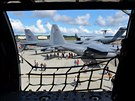 "Letecká show ""Arctic Thunder"" na základně Elmendorf-Richardson Aljašce.."