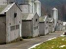 Na místě bývalého romského koncentračního táboru v Letech na Písecku je dnes...