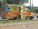 Řidič při nehodě v Hlubočepích zničil luxusní volkswagen.