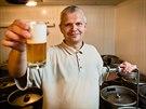 Zrající pivo je potřeba ochutnávat. Jen tak zjistíte, kolik času ještě...