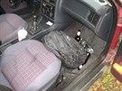 Rentgen odhalil v autě zásilků léků.