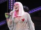 Cher oblečená neoblečená