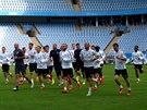 Sparťanští fotbalisté na tréninku