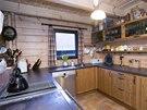 Kuchy� je vybaven� ve�ker�m komfortem.