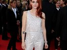 Herečka Kristen Stewartová kombinézy od slavných návrhářů přímo zbožňuje....