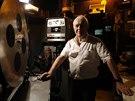 Majitel Maurice Laroche provozuje pornokino už třicet let  (30. července 2014).