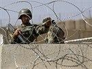 Afghánští vojáci ve výcvikovém středisku Camp Qargha u Kábulu (Afghánistán 5. srpna 2014)