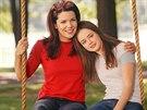 Lauren Grahamová a Alexis Bledelová v seriálu Gilmorova děvčata (2000)