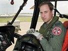 Princ William str�vil posledn� t�i roky sv� sedmilet� arm�dn� slu�by jako pilot pr�zkumn�ho a z�chrann�ho vrtuln�ku (1. �ervna 2012).