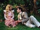 Reese Witherspoonová a Rupert Everett ve filmu Jak je důležité míti Filipa...