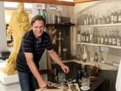 Součástí nové výstavy je také ukázka, jak mohl v srpnu 1944 vypadat hostinec,...