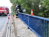 Tragická nehoda na silnici číslo I/37 u Březhradu ve směru z Pardubic na Hradec...