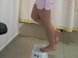 Cvičení s nataženým kolenem