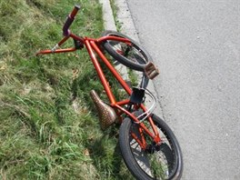 Nehoda třináctiletého cyklisty s osobním autem v Častolovicích. (7. 8. 2014)