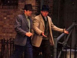 Z filmu Výstřely na Broadwayi