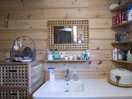 """""""Dřevěná"""" je i koupelna."""