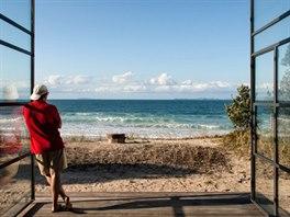 Největším luxusem je pro majitele volný výhled na pláž a na moře. V bachu...