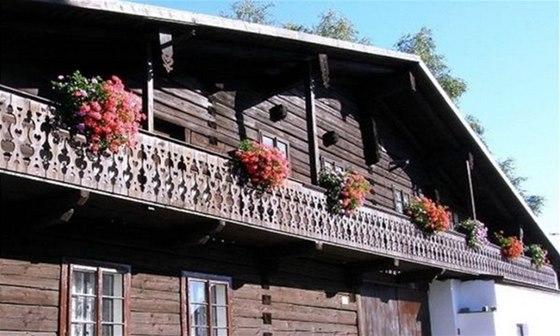 Unikátní alpskou architekturu můžete v Čechách obdivovat jenom ve Volarech a