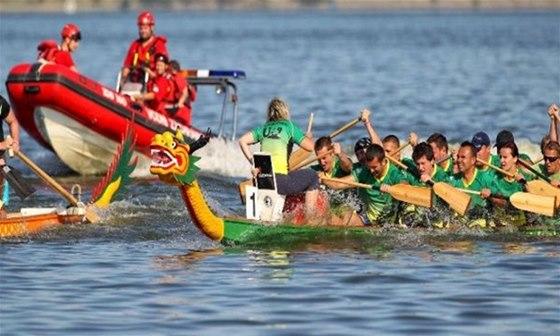 Závod dračích lodí odstartuje 23. srpna Lipno Sport Fest, který potrvá do konce
