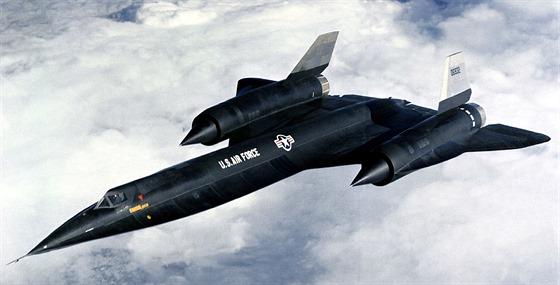 Po překonání mnoha překážek nakonec odstartoval prototyp A-12, označovaný jako...