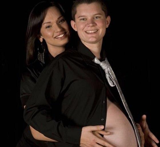 Nick si těhotenství moc neužival, lidé si na něj ukazovali prstem.