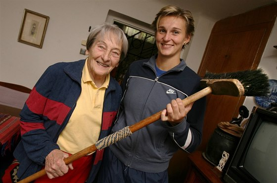 ROK 2007: Dana Zátopková, Barbora Špotáková a zlatý olympijský oštěp z Helsinek...