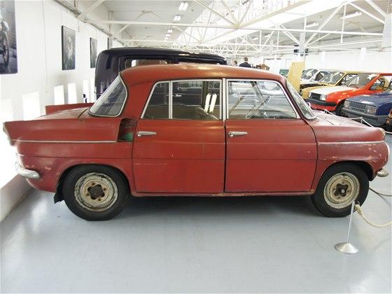 Škoda 989 - jeden z prototypů, který předcházel modelu 1000 MB