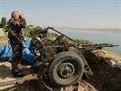 Kurdští bojovníci u Mosulské přehrady na severu Iráku (17. srpna 2014)