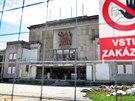 Oprava kulturního domu Poklad stojí, stavbaři z místa v dubnu odešli....