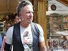Tričko s Vladimer Putinem si koupil i herec Mickey Rourke (11. srpna 2014).