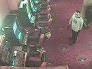 Policisté pátrají po dvojici mladíků, kteří v červenci přepadli barmanku v...