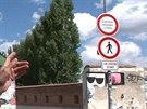 Na pražské Kampě je nově zakázán průjezd cyklistům a vozítkům segway. Důvodem...