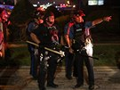 Protesty v americkém Fergusonu v noci z pondělí na úterý vyvrcholily zatčením...