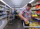 Embargo na potraviny zdra�uje j�dlo v Rusku. Na sn�mku �et�zec Metro Cash and...