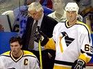 Ivan Hlinka p�sobil v NHL jako trenér Pittsburghu Penguins. (17. kv�tna 2001)