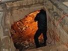 RAČTE VSTOUPIT. Už dříve odborníci pomocí georadaru zjistili, zda v podzemí...