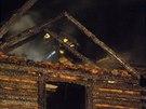 Požár roubeného domu v Samšině na Jičínsku (17. 8. 2014)