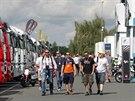 Majitelé VIP vstupenek u motocyklových stájí na Masarykově okruhu (15. srpna...