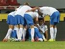 Fotbalisté Baníku Ostrava se radují, právě na Spartě vstřelili gól.