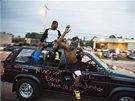 Kvůli smrti černošského mladíka demonstrovaly v americkém Fergusonu stovky