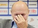 CO JE TO ZA OTÁZKU? Trenér Miroslav Koubek na tiskové konferenci.