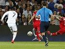 TOHLE BUDE GÓL. Cristiano Ronaldo z Realu Madrid pálí v utkání o Superpohár