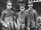Poslední fotka Hitlera z první světové války je datovaná do let 1916 - 1919.
