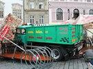 N�kladn� auto v centru Olomouce zdemolovalo restaura�n� zahr�dku. �idi� jej...