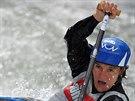 Kate�ina Ho�kov� na fin�lov�m z�vodu SP ve vodn�m slalomu v Augsburgu