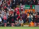 J� SI POSKO��M. Raheem Sterling z Liverpoolu se raduje ze sv� trefy proti...