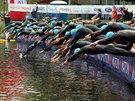 Start Evropsk�ho poh�ru v triatlonu v Karlov�ch Varech